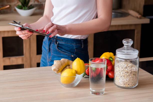 cuenta calorías dieta salud estilo de vida adelgazar - foto de stock