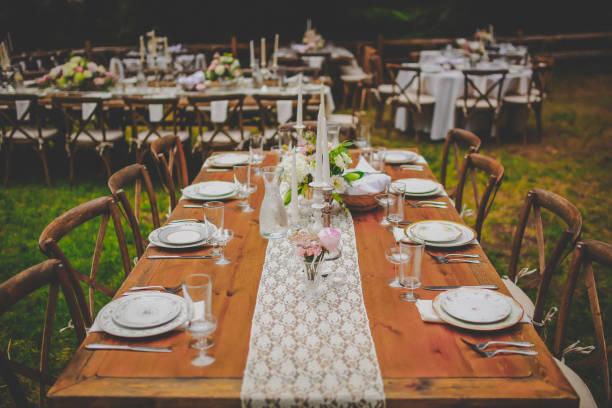 country banquet table setting - muita comida imagens e fotografias de stock