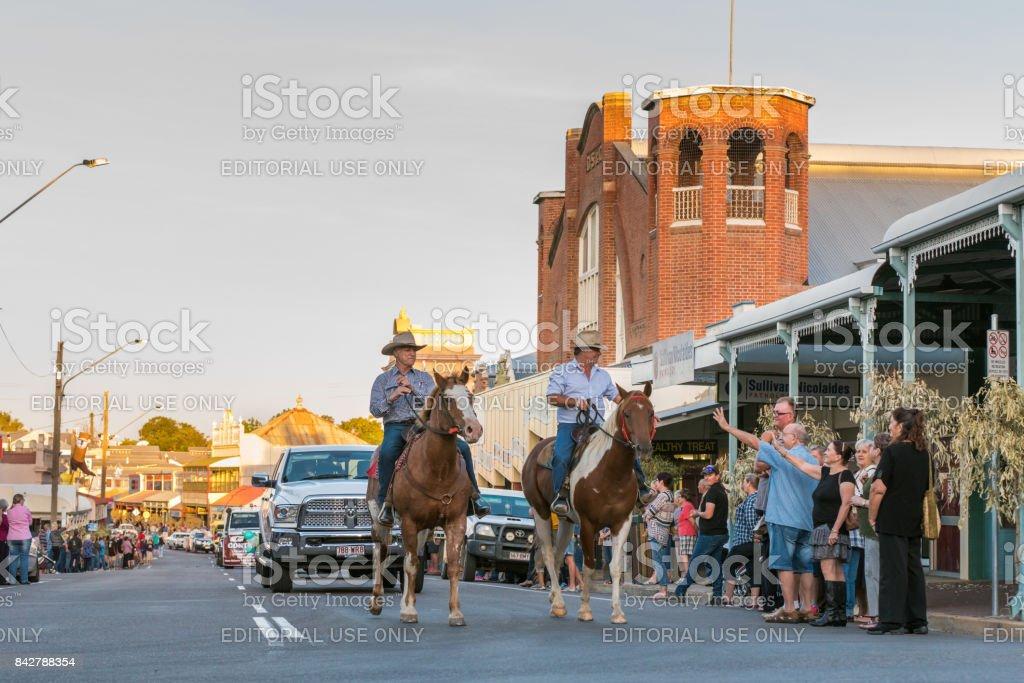 Desfile de música country, Charters Towers, Austrália - foto de acervo