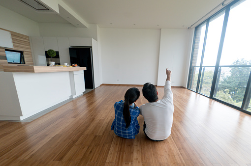 istock Couple at their new home 646687632