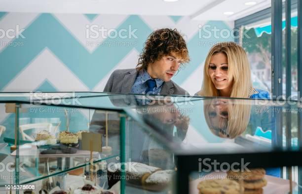 Couple choosing a cake picture id1015378608?b=1&k=6&m=1015378608&s=612x612&h=tab4c1b1j70pvx9a6gifgv6illtxztw7s52bq8ot8vq=