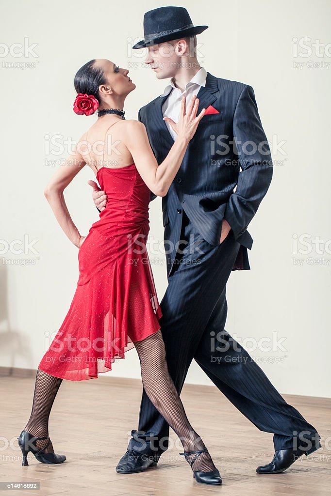 Casal Dançando Tango argentino - foto de acervo