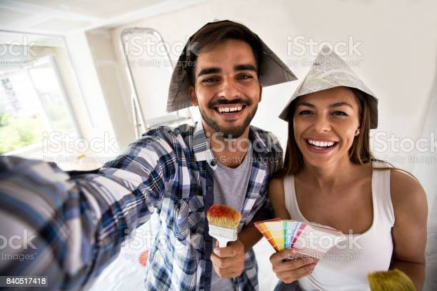 Couple doing selfie while painting their home picture id840517418?b=1&k=6&m=840517418&s=612x612&h=snkqswteukaengeorcdyfal nf oygjhl54nc8rfecs=