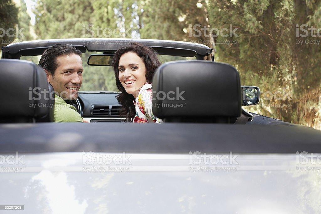 Coppia guida Auto convertibile foto stock royalty-free