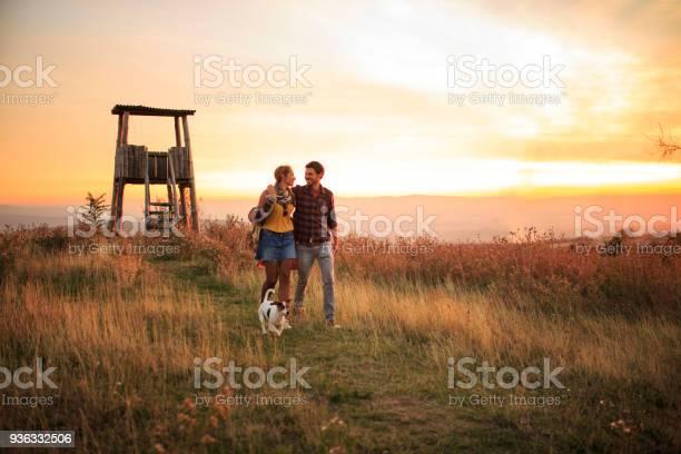 Couple enjoying a sunny day with dog picture id936332506?b=1&k=6&m=936332506&s=612x612&h=rfsueou a ypomvgnuolntx58qb338dpupyb9nezike=