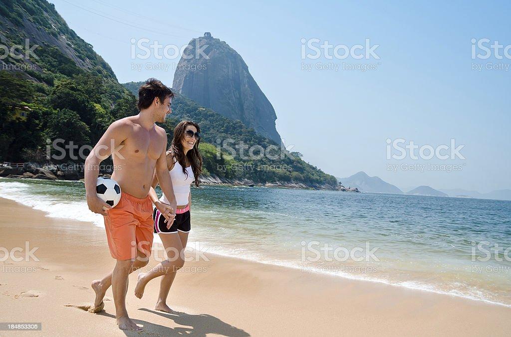 Casal desfrutando do Rio de Janeiro - foto de acervo