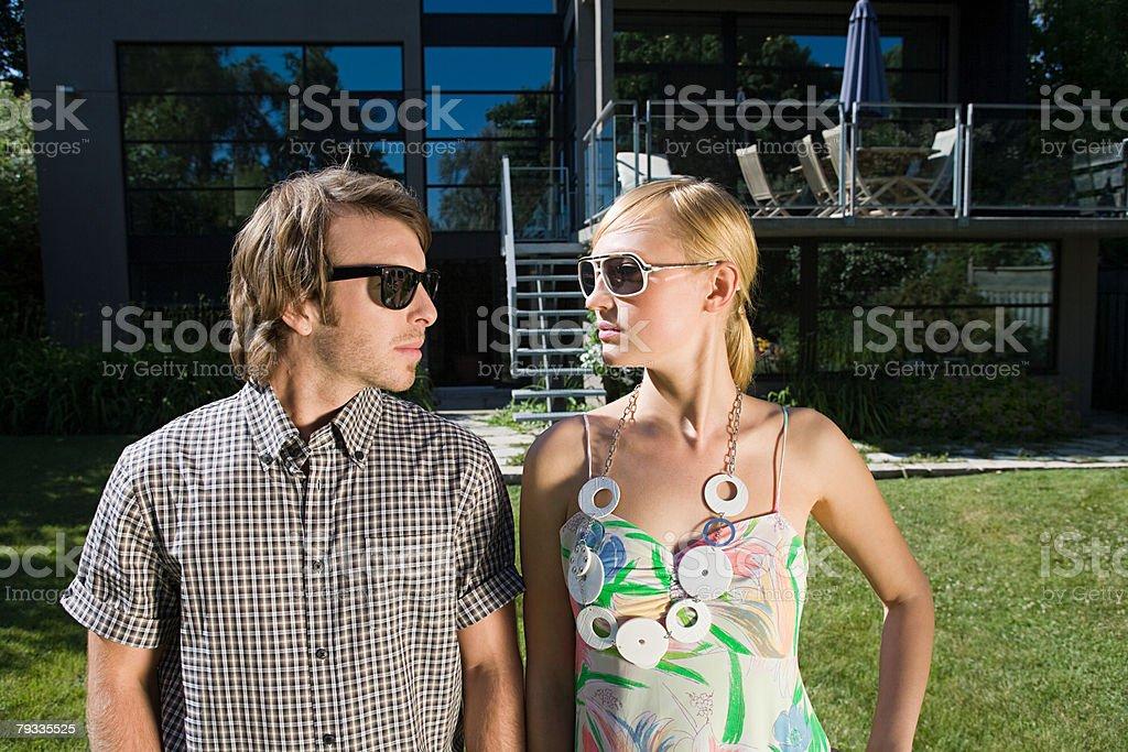 Um casal Cara A Cara foto de stock royalty-free