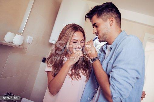 874030164 istock photo Couple having fun 867071552