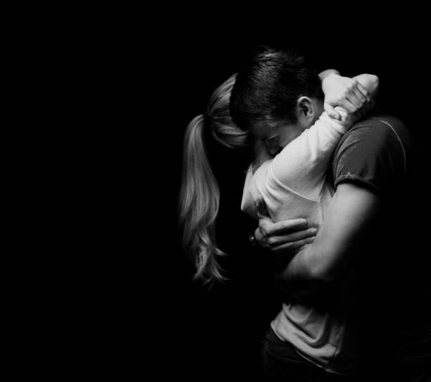 Paar, umarmen einander – Foto