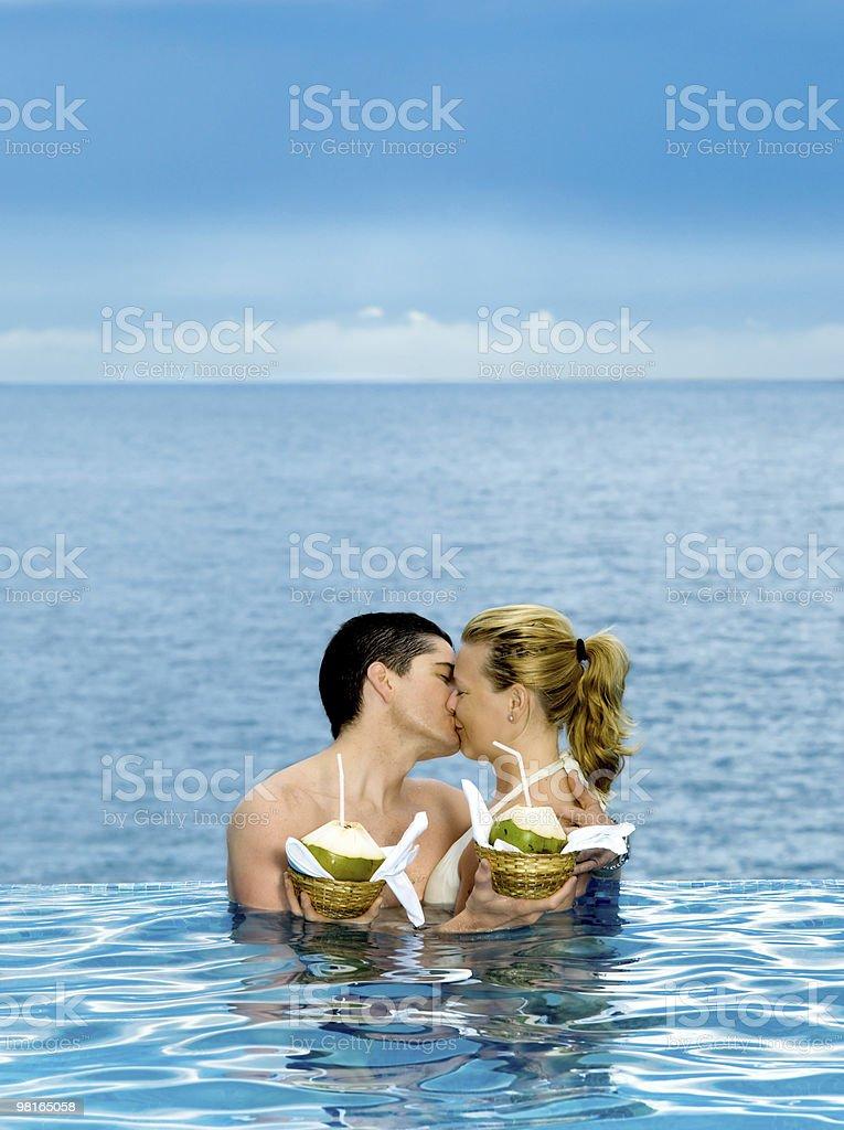 커플입니다 만들진 객실명 키스 royalty-free 스톡 사진