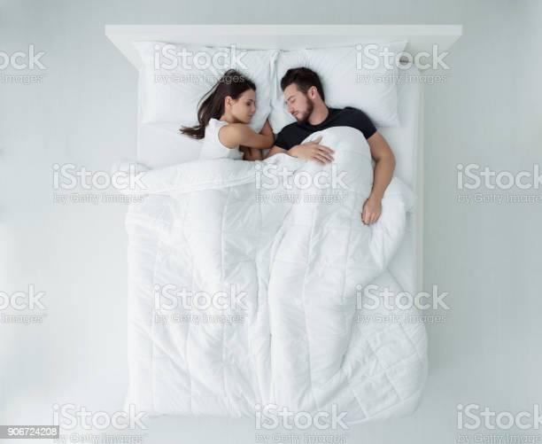 Couple in bed picture id906724208?b=1&k=6&m=906724208&s=612x612&h=iqvjpf 4umx3ot2lrrjn6jpqlkzqb4hwrsxbs 01zny=