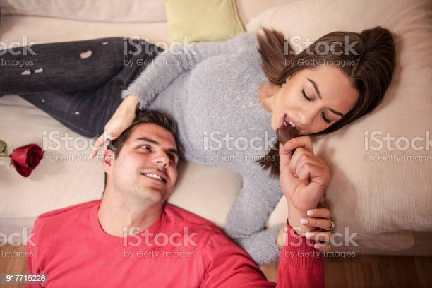 Couple in bed picture id917715226?b=1&k=6&m=917715226&s=612x612&h=ohqpk94exmmyvtrbqp9kehhtoxpllopjilc78jhfi0g=