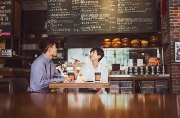 Paar im Café – Foto