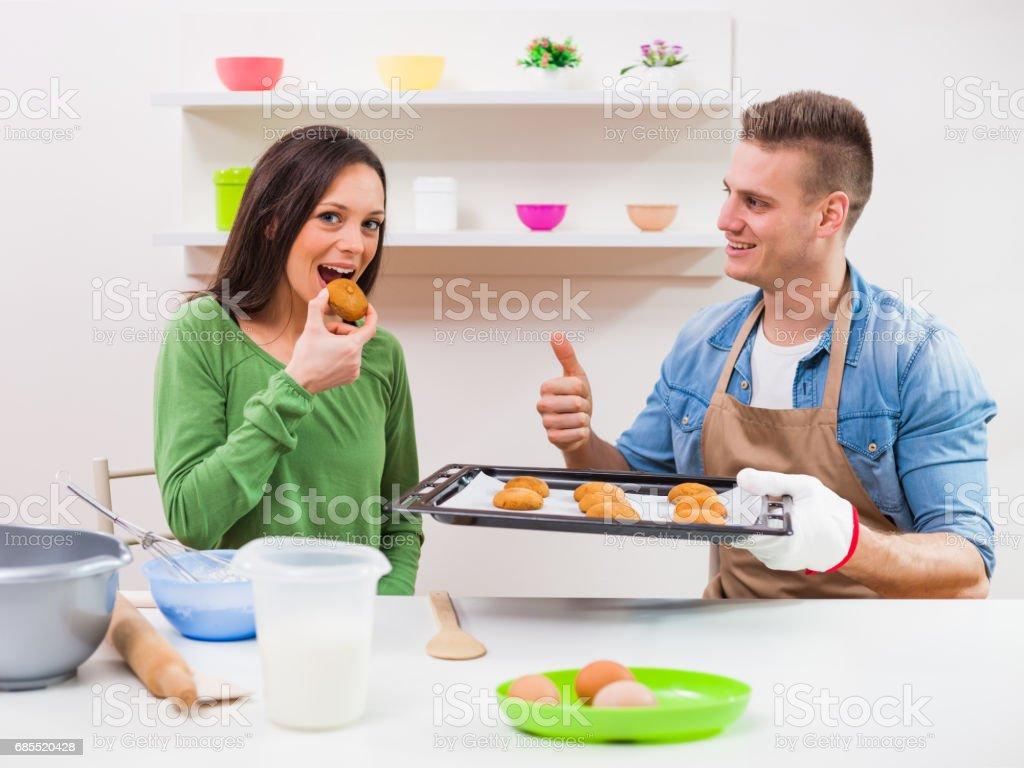 Couple in kitchen 免版稅 stock photo
