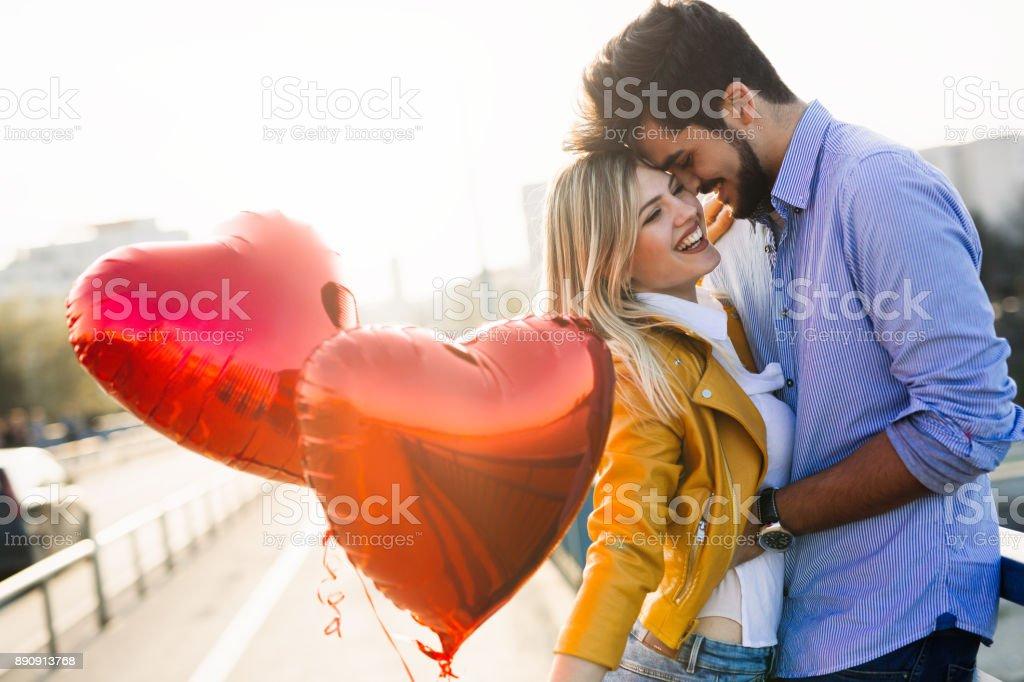 Paar in der Liebe, küssen, lachen und Spaß – Foto