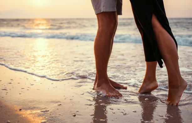 Couple in love on the sunrise sea side picture id650297982?b=1&k=6&m=650297982&s=612x612&w=0&h=ubn0iwamuhbw tutp3kogms8g0razytwmv7qkf 3pvq=