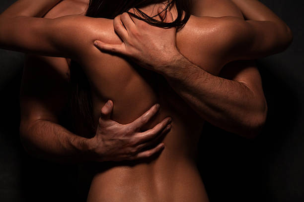 couple en amour - sexe symbole photos et images de collection