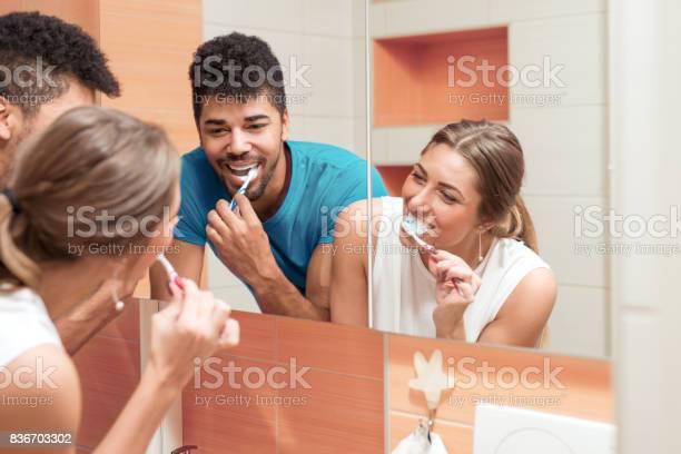 Paar In Liebe Stockfoto und mehr Bilder von Paar - Partnerschaft