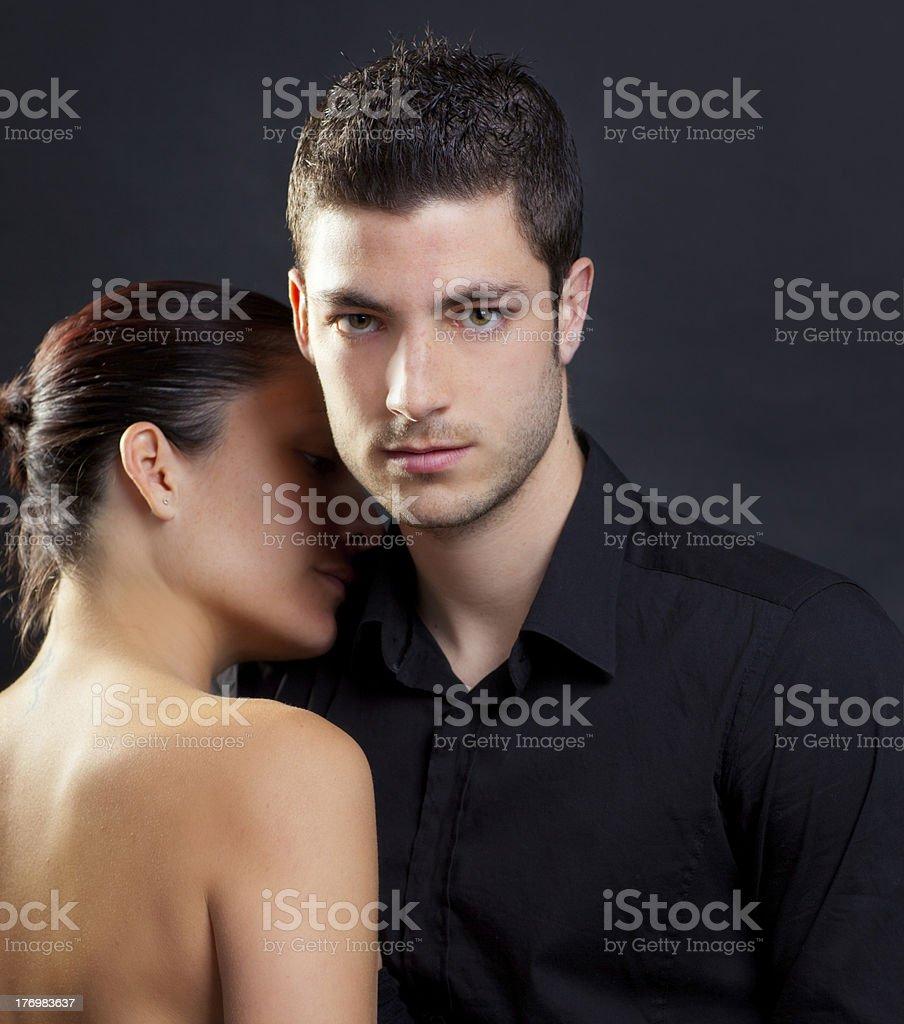 Мужчины жигало в паре
