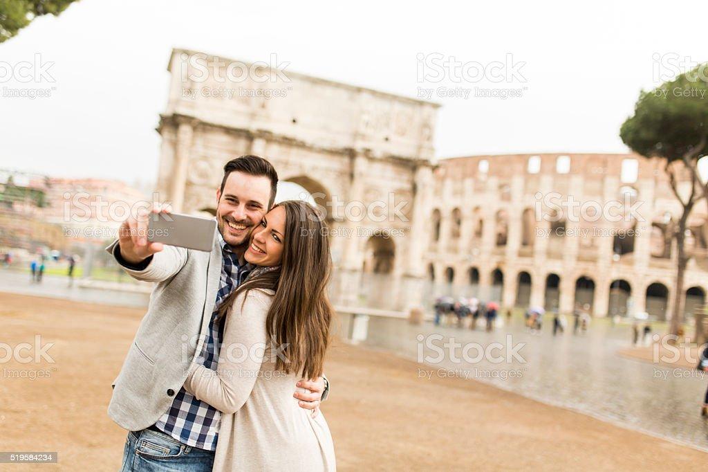 Pareja en Roma - foto de stock