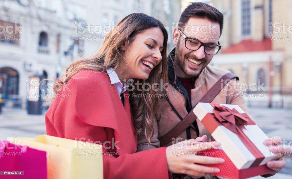 Dating jemand mit einer Freundin