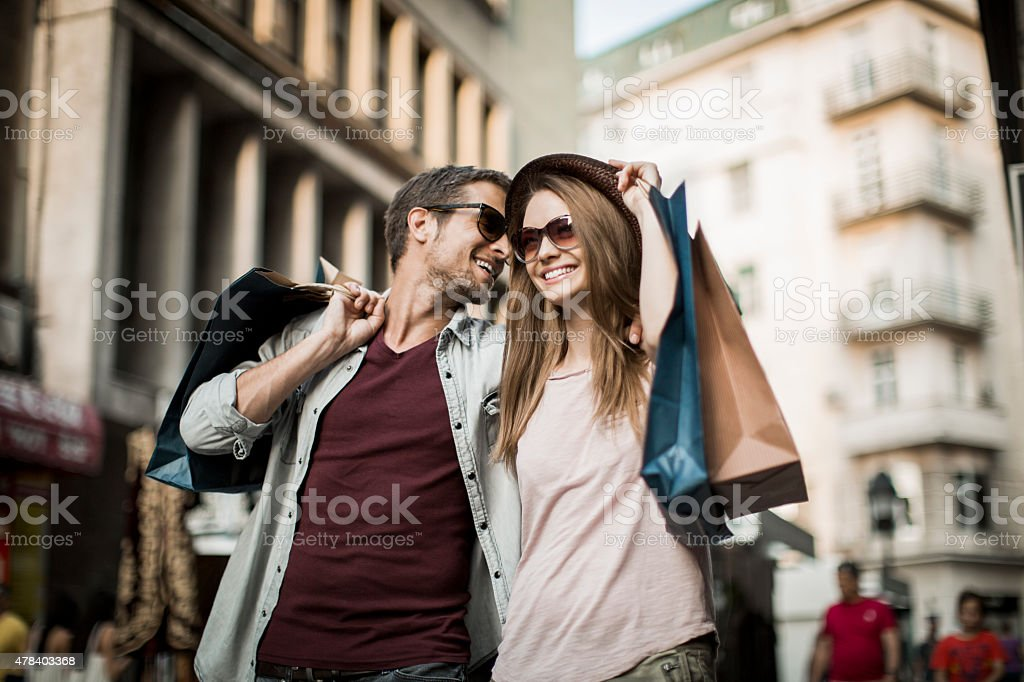 Coppia di shopping - foto stock