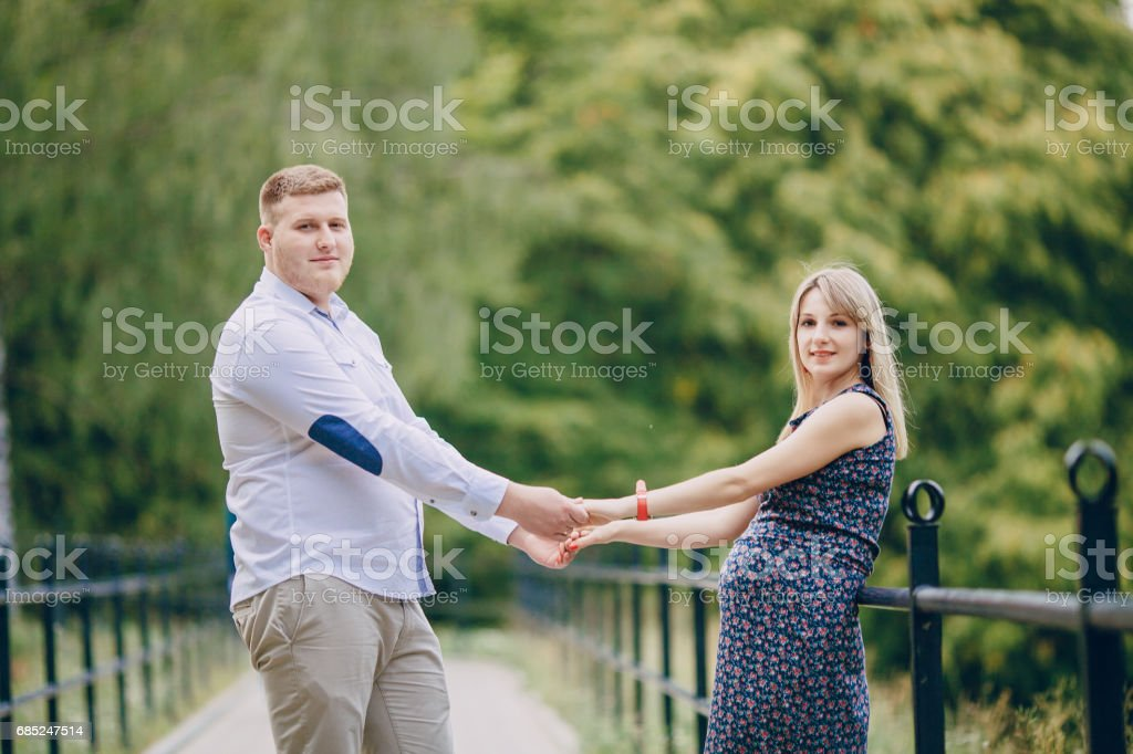 couple in the park foto de stock royalty-free