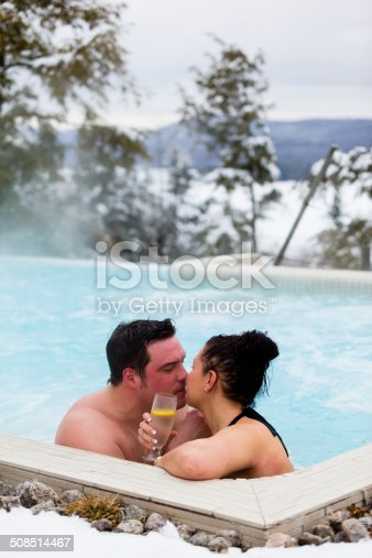 536952169 istock photo Couple Kissing in a Thermal Bath 508514467