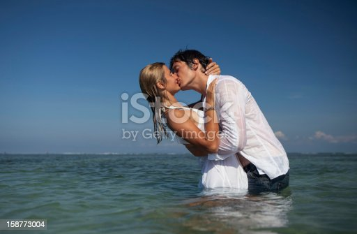 istock Couple kissing 158773004