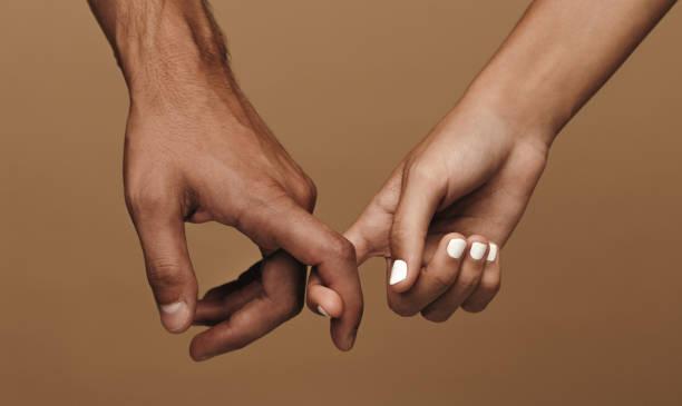 Paargefügte Verknüpfungsfinger – Foto