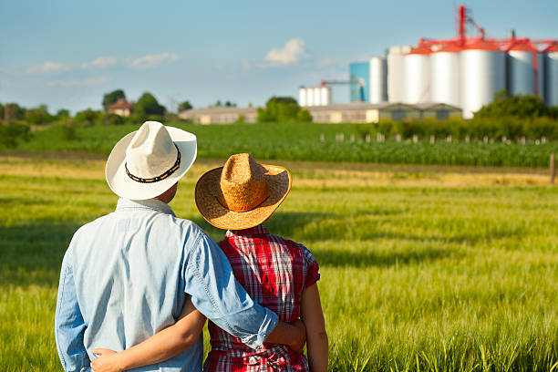 Paar Blick auf der farm – Foto