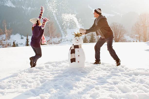 Couple making snowman picture id102284678?b=1&k=6&m=102284678&s=612x612&w=0&h=9mvist k80xfrzu4kr2xdqy9lf8gtc ffl3gijex2hi=