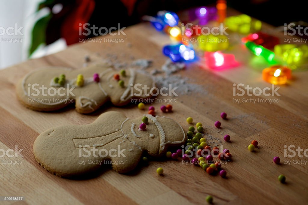 Paar Lebkuchen Mann cookies eingerichtet für Weihnachten – Foto