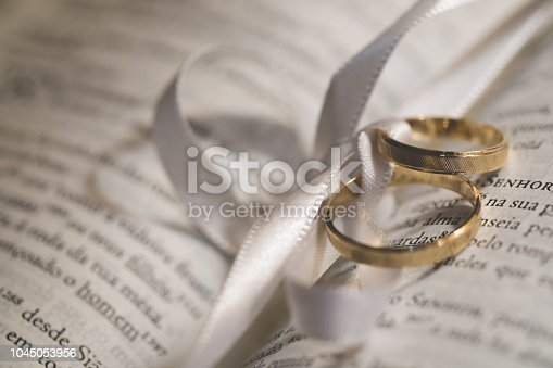 Ring - Jewelry, Bible, Circle, Focus on Shadow, Gold