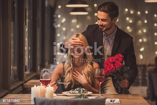 istock Couple on a date 871870942
