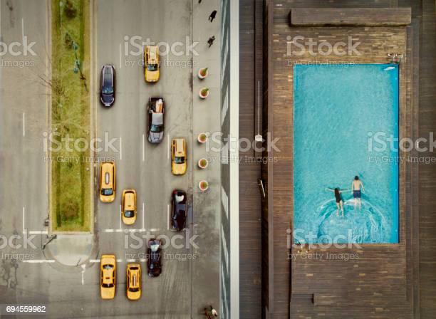 Couple on a new york city rooftop image composition picture id694559962?b=1&k=6&m=694559962&s=612x612&h=qd7fbqgiud7yukrccvk 06ynlxzh6o4ye4xrmys45z8=