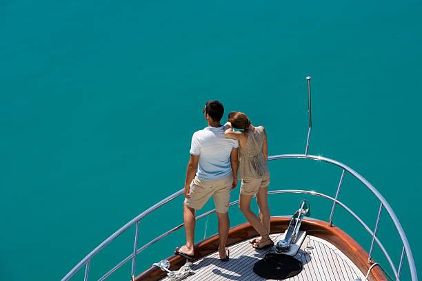 Paar auf einer yacht – Foto