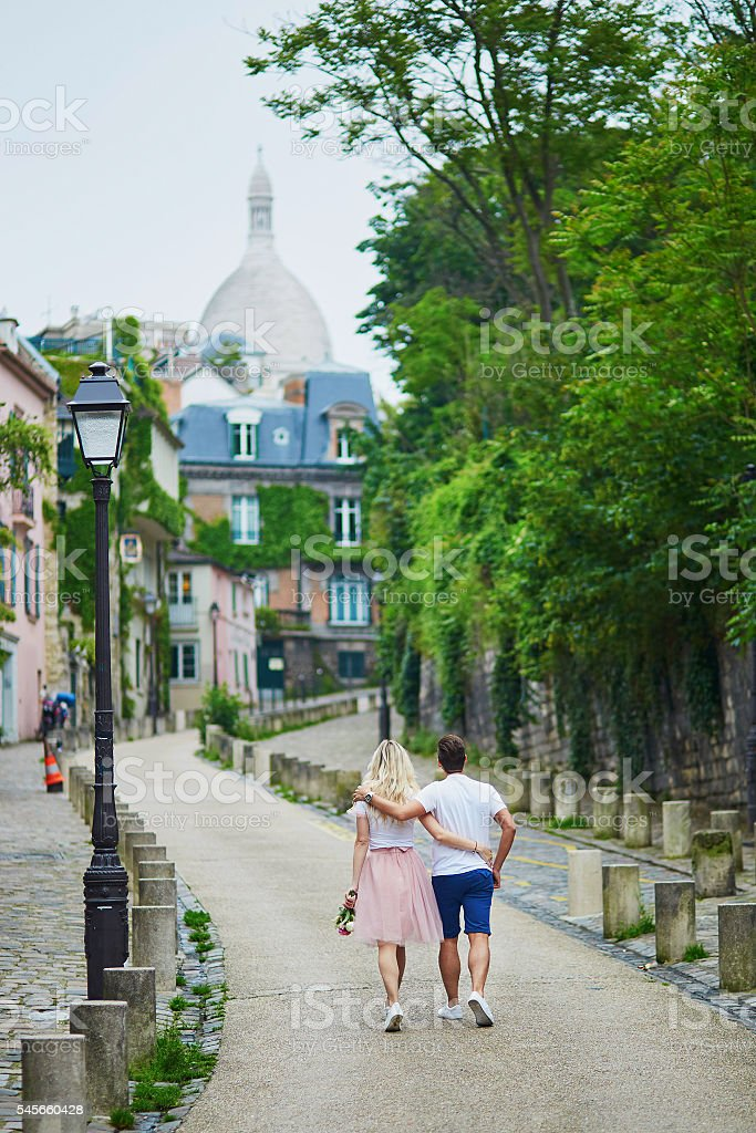 Couple on Montmartre in Paris, France – Foto