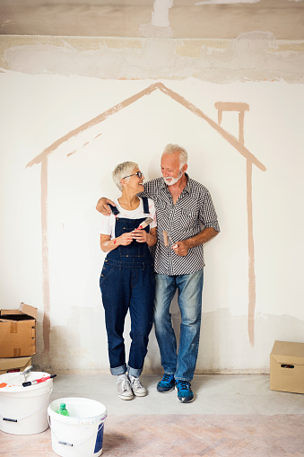istock Couple remodeling their home 1063725014