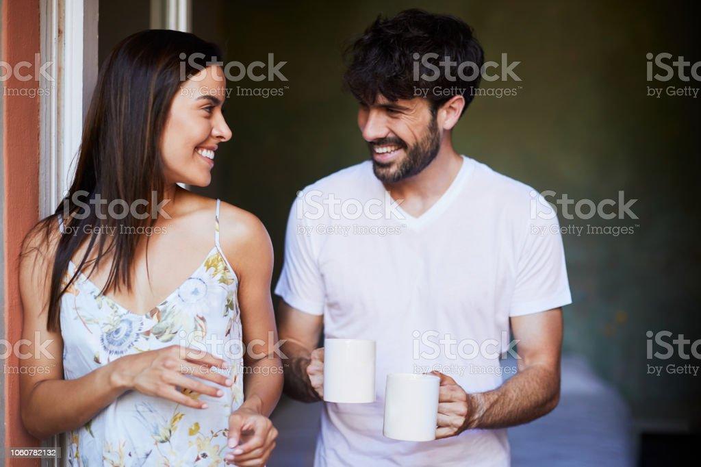 Paar Teilen Morgenkaffee – Foto