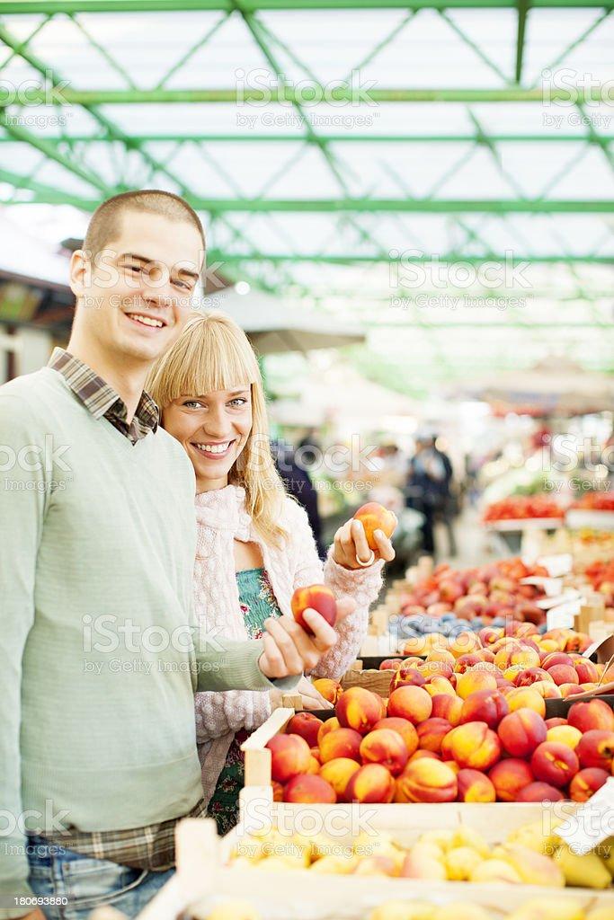 Couple shopping organic fruit royalty-free stock photo