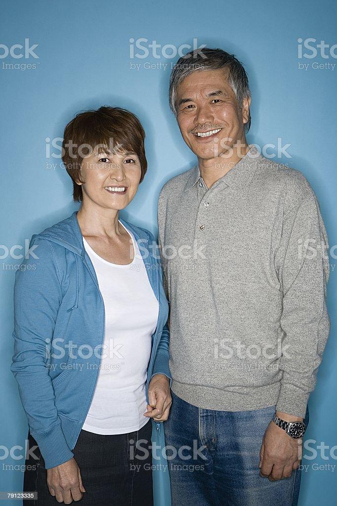 커플입니다 미소 royalty-free 스톡 사진