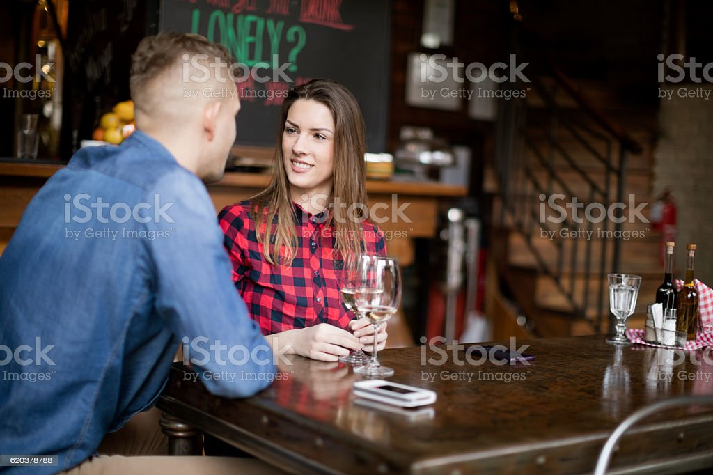 Couple tasting wine foto de stock royalty-free