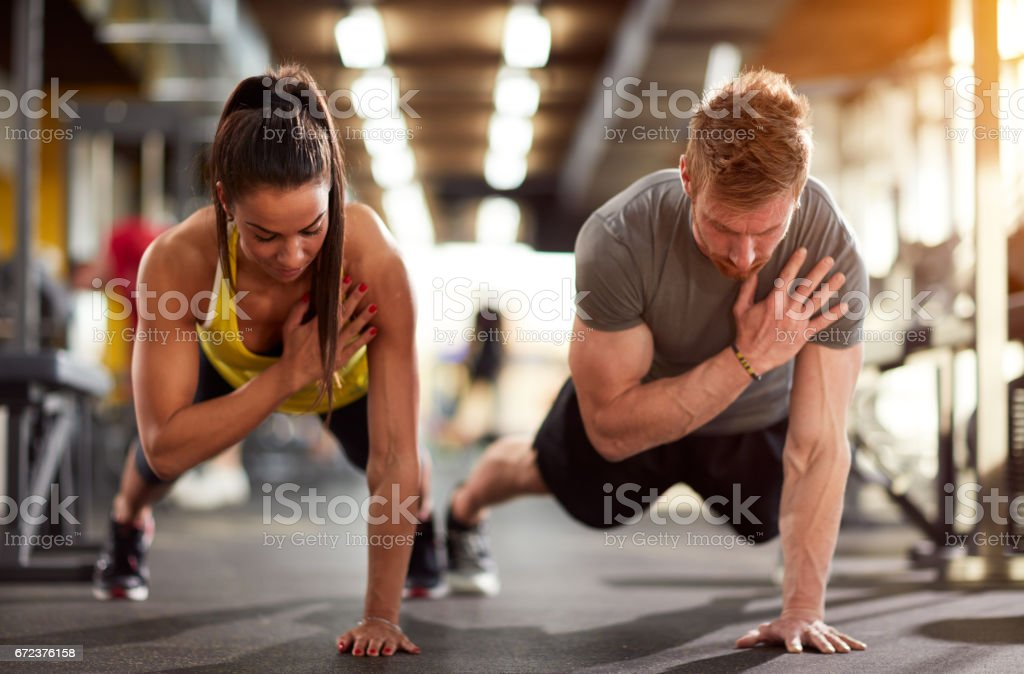 Couple training together Lizenzfreies stock-foto