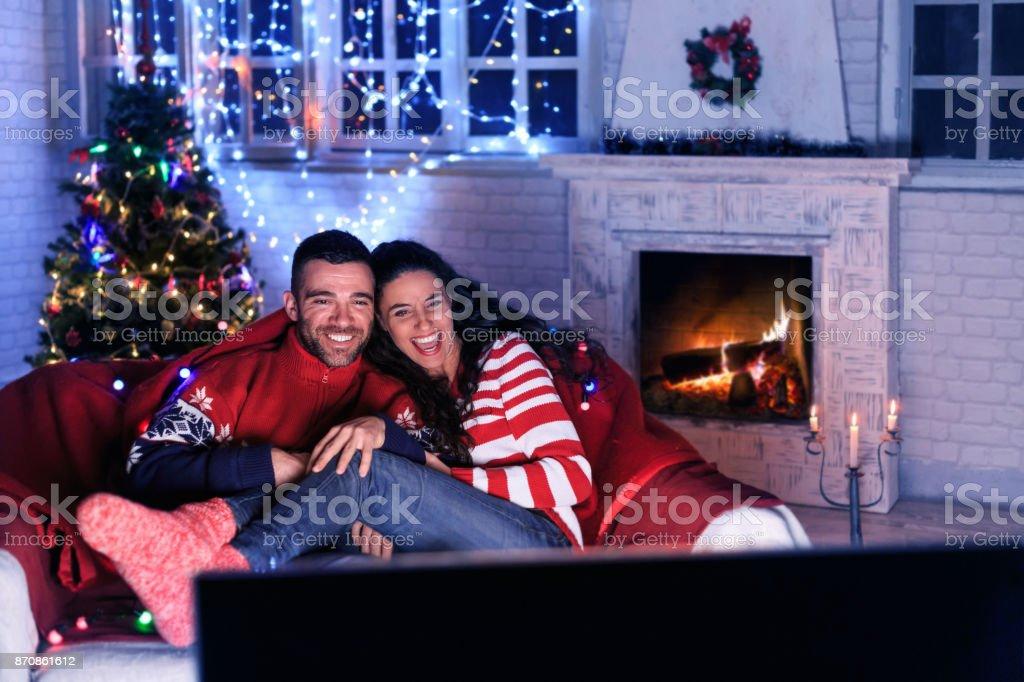 Paar vor dem Fernseher zu Hause – Foto