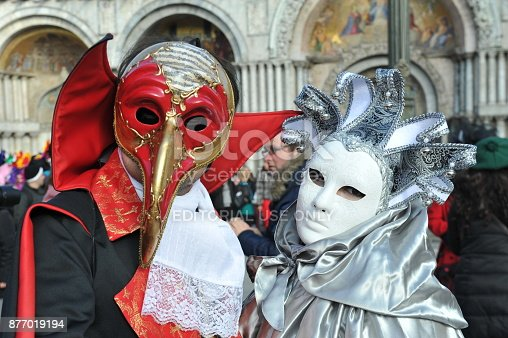istock Couple wear beautiful costume in Carnival of Venice, Italy. February 12, 2013 877019194