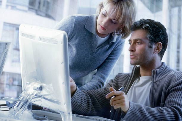Paar mit Computer – Foto
