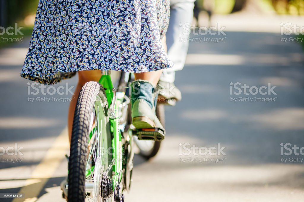 couple with tandem bicycle – Foto
