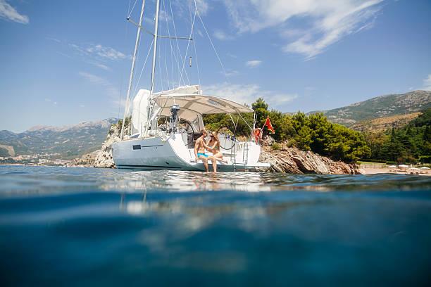Paar Yacht Segeln luxus flitterwochen kreuzfahrt – Foto