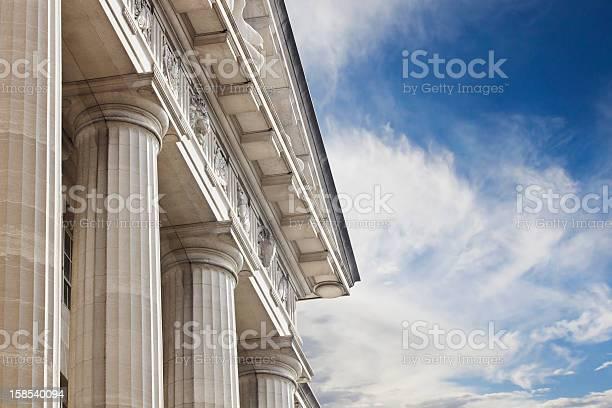 Courthouse Or Government Building-foton och fler bilder på Arkitektonisk kolonn